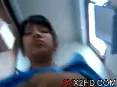 อยากร้องดังๆแต่ร้องไม่ได้!! คลิปหลุดเด็กนักเรียนคันหี หน้าตาน่ารัก แอบมาเย็ดกับแฟนในห้องน้ำตอนพักเที่ยง