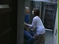 xxx japan เอาแม่ทำเมีย จับแม่เย็ดหีให้ขึ้นโยกควยให้ขย่มน้ำหีกระจาย