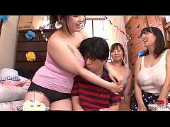free porn 3-1  แม่กับพี่สาวสองคนรุมข่มขืนน้องชายจับรีดน้ำเงี่ยนสะหมดแรงจะเดิน