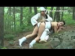หนังโป๊ ญี่ปุ่นเย็ดกันในป่าโครตมันส์เสียวสุดๆเย็ดสดสะด้วย  กระแทกหีไม่เบาเลยร้องลั่นป่า