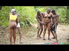 มั่วเซ็กส์เอาท์ดอร์สไตล์ คนผิวดำเมืองคองโก ยืนเอากันเลยมันส์มาก