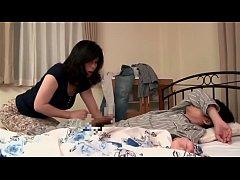 xxxลูกชายนอนยังไม่ตื่นแม่ปลุกด้วยการอมควยลูกต่อด้วยกระแทกหีอย่างเด็ด